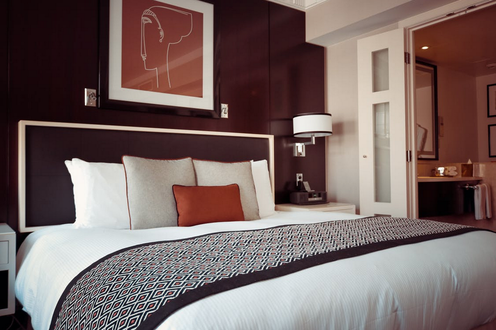 How To Find A Cheap Hotel Room & Get It For Even Less
