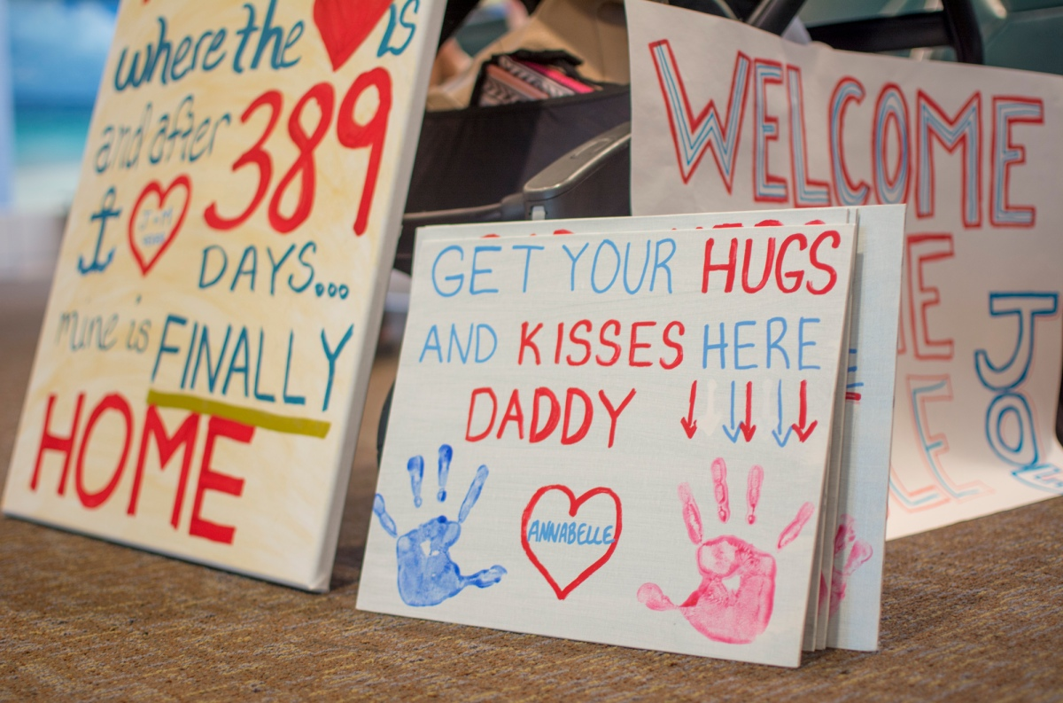 Some of The Most Awesome Airport Pickup Signs Ever