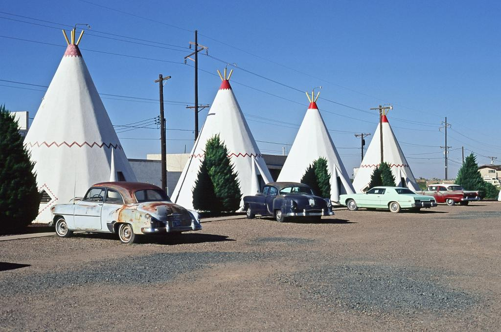 A Visit To TWO WigwamMotels!