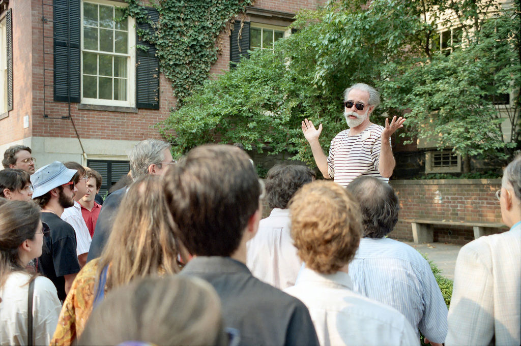 Walking Tours – A Great Way To Learn About ACity