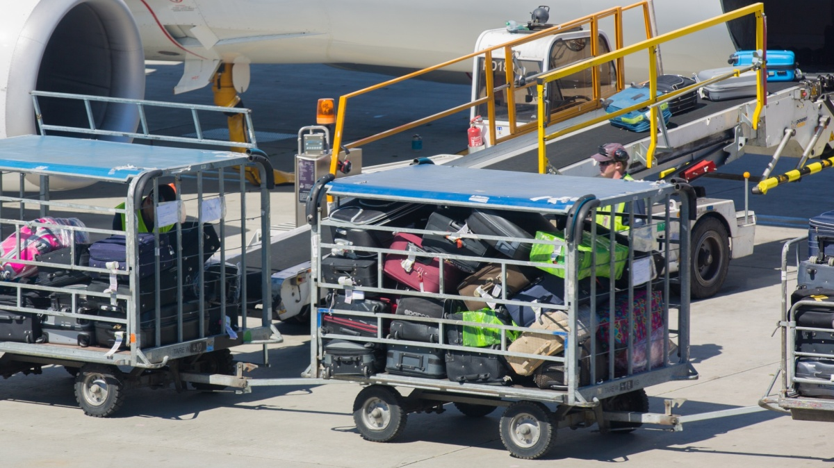 7 Ways To Avoid Paying Airline BaggageFees