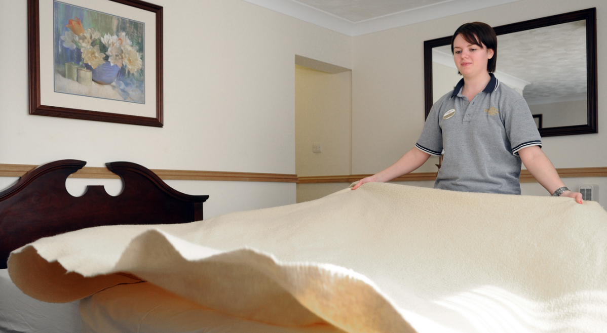 So, How Much SHOULD You Tip The Hotel Housekeeping Staff?